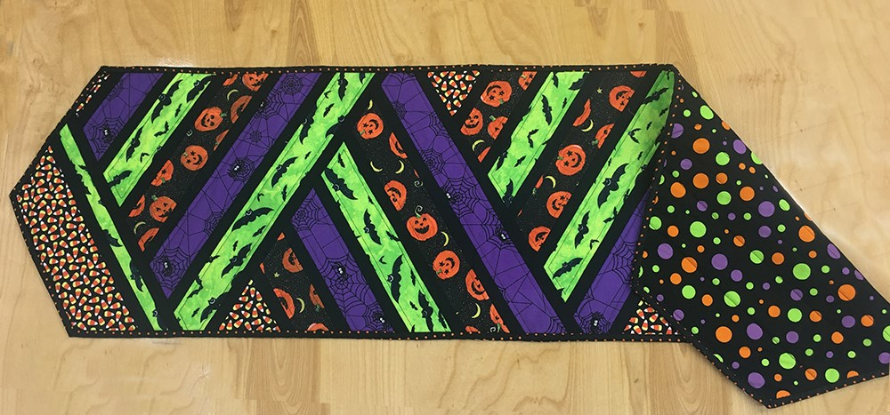 halloween table runner (2)